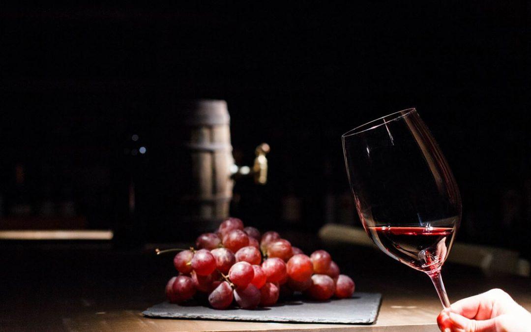 Refranes con el vino como protagonista